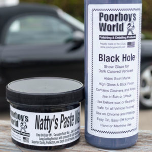 Tumman auton pohjustus- ja vahaussetti – Poorboys Black Hole & Natty's Black Paste Wax